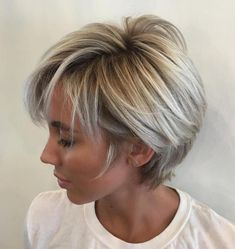 Long Blonde Balayage Pixie Short layered hair is good for work and even better for weekends! The short layers around the face gently caress the cheekbones and eyebrows keeping the style youthful… Short Layered Haircuts, Short Hairstyles For Thick Hair, Short Hair With Layers, Short Hair Cuts For Women, Bob Hairstyles, Textured Hairstyles, Short Cuts, Wedding Hairstyles, Long Pixie Haircuts