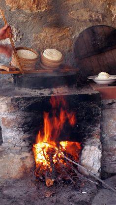 Cretan Diet Greece: Enagron Ecotourism Village Axos Rethymno Crete, cheese making Crete Greece, Athens Greece, Greek Diet, Rethymno Crete, Zorba The Greek, Greek Cheese, New Cooking, Cooking Recipes, How To Make Cheese