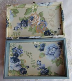 Kitchen Tray, Decoupage Wood, Arte Country, Tea Tray, Painted Boxes, Paint Furniture, Shabby Chic Decor, Art Decor, Home Decor