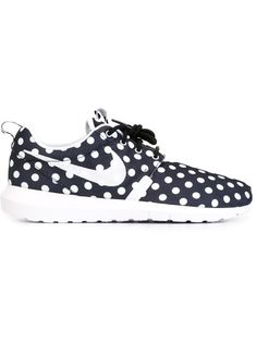 Shop Nike 'Roshe' sneakers in Voo Store from the world's best independent boutiques at farfetch.com. Shop 300 boutiques at one address.