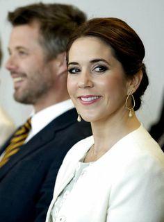 SÅ stolt over, at netop denne smukke kvinde er med til at repræsentere Danmark. #yourockMary