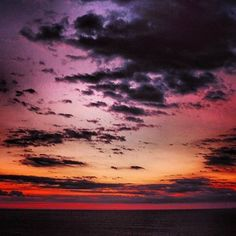 Window in the skies - @u2 . #sunset #nature #color #trippy #tranquility #sexy #cloud #horizon #winter