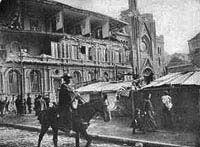 Terremoto 1906 El violento sismo que redujo el puerto a escombros, alcanzó una intensidad de 8,6º en la escala de Richter. El movimiento telúrico, que tuvo su epicentro frente a las costas de Valparaíso habría dejado dos mil muertos.
