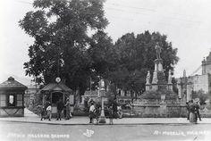 Frente del Jardín Ocampo una de las primeras gasolinerias