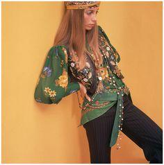 Photo David McCabe Model Tonne Goodman: Wearing Floral Blouse and Vest 1968 Patti Hansen, Sixties Fashion, Retro Fashion, Vintage Fashion, Folk Fashion, Bohemian Fashion, Fashion Fall, Vintage Clothing, Lauren Hutton