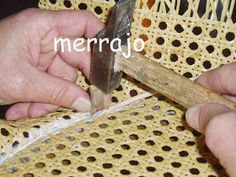 Manualidades merrajo & yoli: Restaurar silla de rejilla, sin ser un profesional Furniture Upholstery, Home Decor Kitchen, Diy Projects To Try, Furniture Makeover, Rattan, Dining Chairs, Sweet Home, Woodworking, Crafts