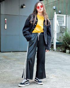 この春はヴィヴィッドなイエローが気になる注目の韓国ブランドDOUBLE LOVERSのカラーサングラスがクールでしょ May issue P97 SPRING PAPER DOLL GIRLS model @7_emil_y outer @bubblestokyo tops @kawijamele.official bottoms @wego_official sunglasses @doublelovers shoes @vansjapan #nylonjapan #nylonjp #fashion #snap #streetstyle #streetsnap #doublelovers #yellow #colorsunglasses #2k17 #caelumjp via NYLON JAPAN MAGAZINE OFFICIAL INSTAGRAM - Celebrity Fashion Haute Couture Advertising Culture Beauty Editorial Photography Magazine Covers Supermodels…
