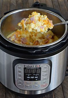 Ham, Egg, and Cheese Casserole (Instant Pot or Oven!) ~ http://www.southernplate.com