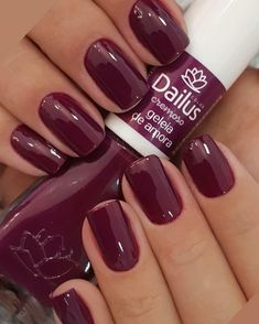 Best Nail Polish Colors of 2019 for a Trendy Manicure Perfect Nails, Gorgeous Nails, Love Nails, Red Nails, Pretty Nails, Fall Nails, Acrylic Nail Designs, Nail Art Designs, Nagel Gel