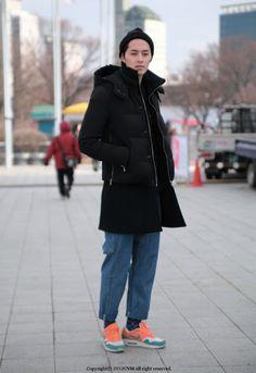 FW Seoul Fashion Week Street Fashion of Male Models Where : Olympic park, Seoul Korea Seoul Fashion, Street Fashion, Mens Fashion, Seoul Korea, Male Models, Olympics, Normcore, Menswear, Street Style