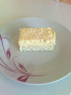 Raffaello szelet Vanilla Cake, Restaurant, Food, Raffaello, Diner Restaurant, Essen, Meals, Restaurants, Yemek