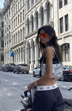Estilo Ivy, Cool Outfits, Summer Outfits, Black Crop Top Tank, Foto Instagram, Instagram Feed, Skater Style, Fashion Killa, Types Of Fashion Styles