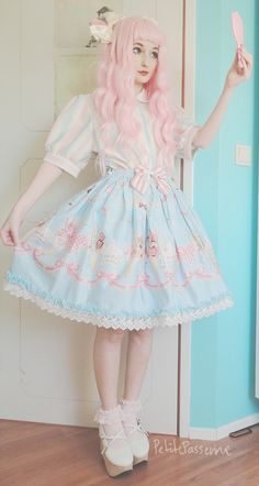 """petitepasserine: """" not gonna lie, I adore how my icecream dress looks like with my soft cream skirt ; - ; haha look at me being a big dumb posing with a mirror / / / """""""