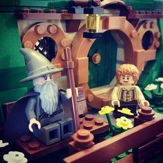 Old friends. #LOTR #lordoftherings #Hobbit #thehobbit #Lego #legolordoftherings #lordoftheringslego #HobbitLego #legohobbit #legothehobbit #BilboBaggins #Gandalf #GandalftheGrey #BagEnd #legominifigures #legogram #legostagram #legophotography #afol by raisinglittledragonslayers