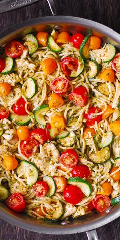 Parmesan Zucchini Tomato Chicken Spaghetti - a delicious Mediterranean pasta toss with basil pesto and lots of grated Parmesan cheese! This easy-to-make Parmesan zucchini chicken pasta is a great recipe for both Summer and Autumn Zucchini Pasta Recipes, Zucchini Tomato, Healthy Chicken Pasta, Healthy Pastas, Spaghetti Recipes, Chicken Recipes, Healthy Recipes, Chicken Zucchini Pasta, Pasta With Zucchini And Tomatoes