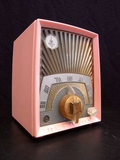 "★ Princessly Pink ★ EMERSON ""Sunburst"" old bakelite tube radio, vintage Jetsons."