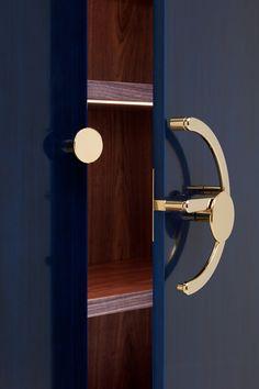 Joinery Details, Sideboard Cabinet, Shake Hands, Furnitures, Handicraft, Product Design, Armoire, Cabinets, Door Handles