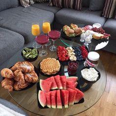 Breakfast Platter, Sleepover Food, Food Decoration, Food Platters, Food Goals, Snacks, Aesthetic Food, Food Cravings, Food Presentation