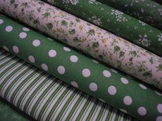 bavlna - LAHVOVĚ ZELENÁ + BÍLÝ PUNTÍK LAHVOVĚ ZELENÁ + BÍLÝ PUNTÍK, průměr puntíku je cca 8 mm, 100% bavlna, šíře 140 cm, cena uvedena za 0,5 metru