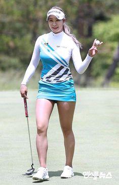 Irresistible Looking Great Ladies Golf Fashion Ideas. Mesmerizing Looking Great Ladies Golf Fashion Ideas. Girl Golf Outfit, Cute Golf Outfit, Girls Golf, Ladies Golf, Golf Sexy, Japonese Girl, Michelle Wie, Golfer, Sporty Girls