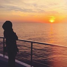 Image about hijab in muslim girl by Neno ♛queen♕ Stylish Girls Photos, Stylish Girl Pic, Hijabi Girl, Girl Hijab, Girl Photo Poses, Girl Photography Poses, Sunset Photography, Profile Pictures Instagram, Profile Pics