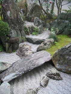 Awesome 40 Philosophic Zen Garden Designs: Zen Garden with Natural Stone, Grass, Tree, & Sand Elements. #japanese #zen #garden
