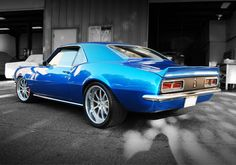 68' Camaro.... I had a '67 but my brother totaled it. So sad......