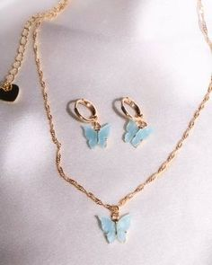 Dainty Jewelry, Cute Jewelry, Jewelry Sets, Jewelry Accessories, Women Jewelry, Gothic Jewelry, Indian Jewelry, Accesorios Casual, Butterfly Earrings