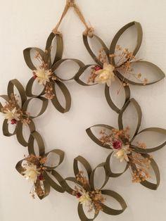 CoronA carton reciclado y flor seca...propuesta de suite!!!