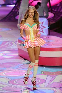 Cara Delevingne Photos - The 2012 Victoria's Secret Fashion Show - Zimbio