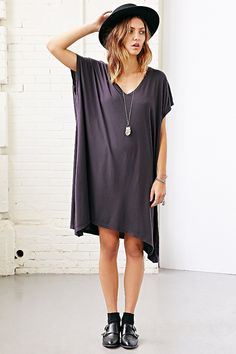 Truly Madly Deeply Arya V-Neck Tunic Top - Urban Outfitters