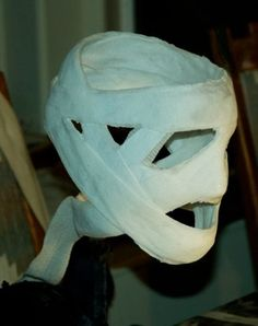 I really hope this link works. It's a great Invisible Man prop. Looks like plaster cloth molded around a wig head or something. Creepy Halloween, Halloween Horror, Holidays Halloween, Halloween Decorations, Halloween Party, Halloween Costumes, Halloween Graveyard, Gothic Halloween, Halloween Witches