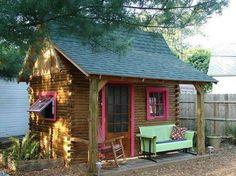Garden shed. sweet as a tiny house Small Cottages, Cabins And Cottages, Small Houses, Log Cabins, Small Cabins, Little Cabin, Little Houses, Small Buildings, Tiny House Living