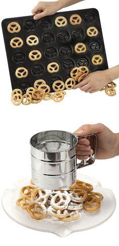 Non Stick Mini Pretzel Pan // Cookies, doughnuts or Pretzels