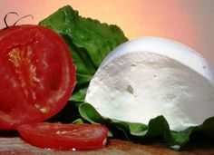 Domácí mozzarella: návod Slovak Recipes, Russian Recipes, No Salt Recipes, Watermelon, Food And Drink, Appetizers, Favorite Recipes, Cheese, Homemade