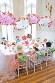 At some point in every little girls life, its time to have a tea party! So why not use the wonderful inspiration that comes from tea parties and throw the most Sweet Tea Birthday Party for little belles and beaus? Just because little ones are young, doe Girls Tea Party, Princess Tea Party, Tea Party Theme, Tea Party Birthday, 4th Birthday Parties, Birthday Ideas, 2nd Birthday, Tea Party For Kids, Kids Tea Parties