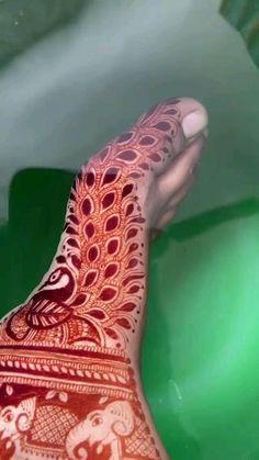 Mehndi Designs Bridal Hands, Mehndi Designs For Kids, Rose Mehndi Designs, Engagement Mehndi Designs, Henna Tattoo Designs Simple, Legs Mehndi Design, Full Hand Mehndi Designs, Modern Mehndi Designs, Mehndi Designs For Beginners