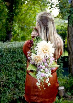 Dahlia bouquet photo Ida Magntorn