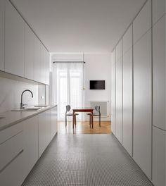 Post: Unas oficinas convertidas en hogar en Valencia --> aparador danés, comoda danesa, decoración interiores, decoración nórdica, estilo escandinavo, estilo nórdico valencia, mid-century modern, piso nórdico valencia, interior styling, interior decor, home decor, spain, decor inspiration, valencia