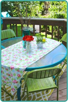 A Thrifter in Disguise: DIY Metal Folding Patio Chairs Makeover
