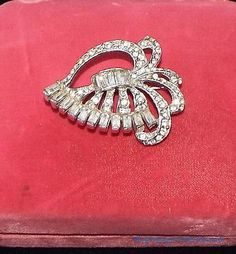 Vintage 1940s Clear Rhinestone Rhodium Plated Silver Pin ESTATE