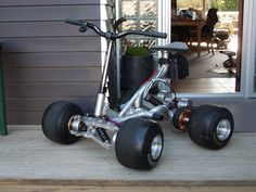 Pocketmachines : The original iQuad – motorcycle Electric Scooter, Electric Cars, Mini Kart, Vw Beach, Go Kart Plans, Diy Go Kart, Custom Trikes, Motorcycle Trailer, Scooter Bike