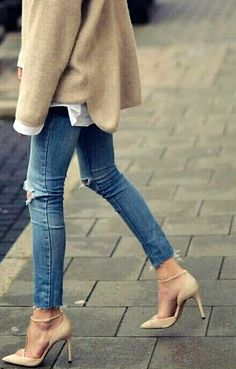 blue jeans and nude pumps, always a good look