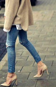 blue jeans + nude pumps