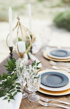 Navy and gold accents for desert wedding