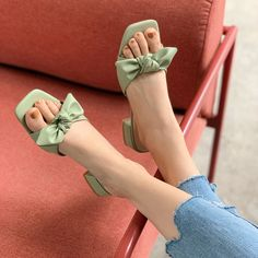 Beautiful Sandals, Sandals Outfit, Latest Shoes, Trendy Shoes, Ciabatta, Girls Shoes, Block Heels, Fashion Shoes, Fashion Tips