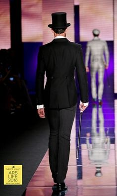 100% made in Italy men's suit from the collections of Cleofe Finati by Archetipo 2016
