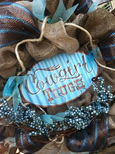 Burlap Western Cowgirl Inspired Wreath --- great idea for decor, but also great caption for jewelry.need to make some of these for dorm/bedroom decor for grands gonna have to try this Western Wreaths, Country Wreaths, Country Decor, Western Crafts, Western Decor, Cowgirl Bedroom, Western Rooms, Cowboy And Cowgirl, Diy Wreath