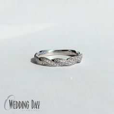 Love this #braided wedding band from #simong