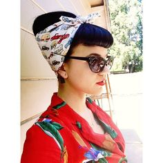 """dollysdelights: """" When you work in an air stream serving up dim sum, the bandana will always save you from overheating. (ps you will get it back I promise! Pin Up Hair, Love Hair, Great Hair, Look Rockabilly, Rockabilly Fashion, Cabelo Pin Up, Super Hair, Retro Hairstyles, Hair Dos"""